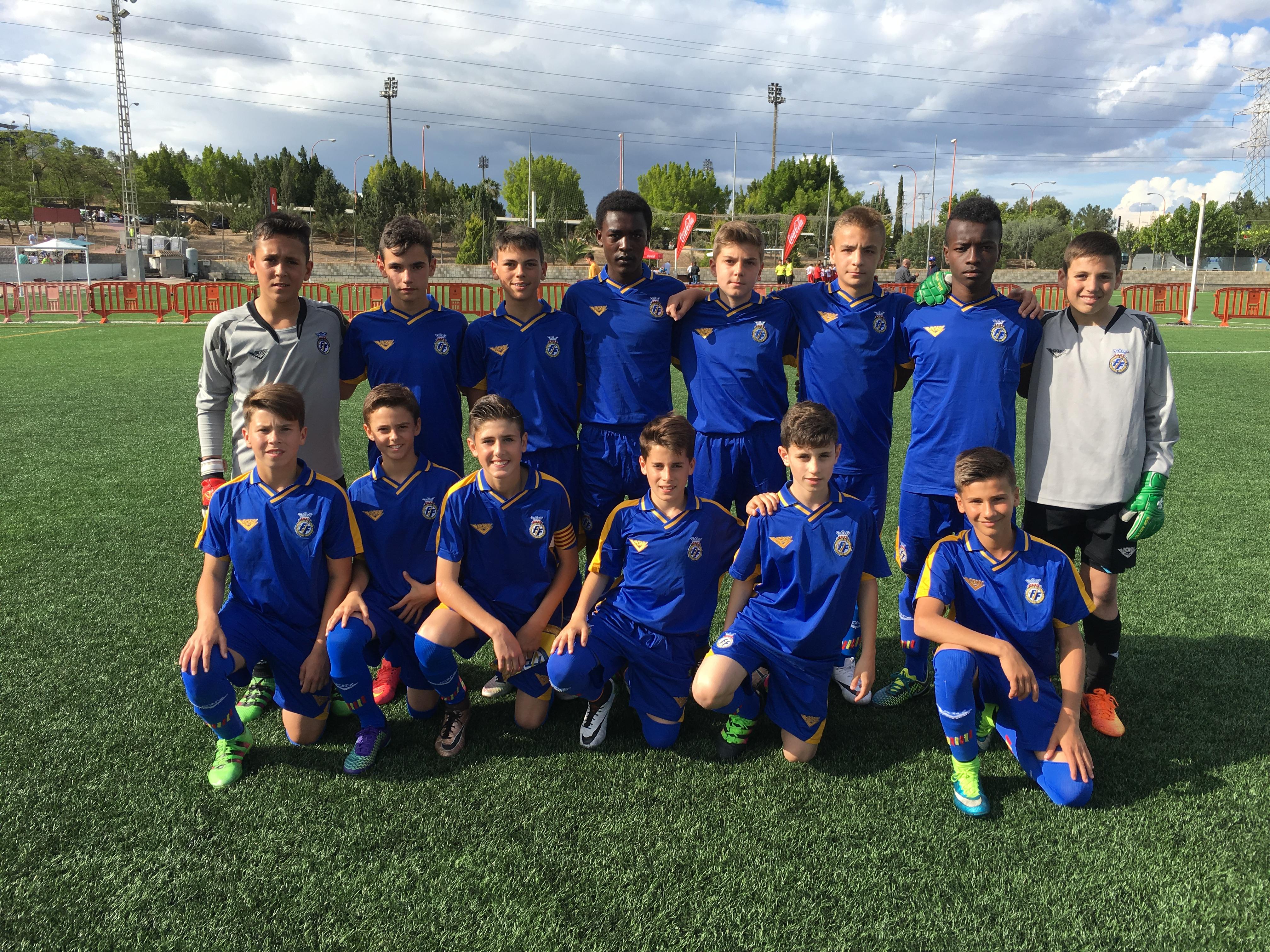 La selecci n sub 12 comienza sus entrenamientos en manises for Federacion valenciana de futbol
