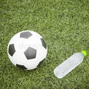bola-y-botella-de-agua-de-fútbol-44206892