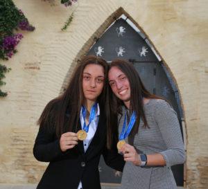 Aixa Salvador y Eva Navarro reciben homenaje de FFCV por el Mundial sub17